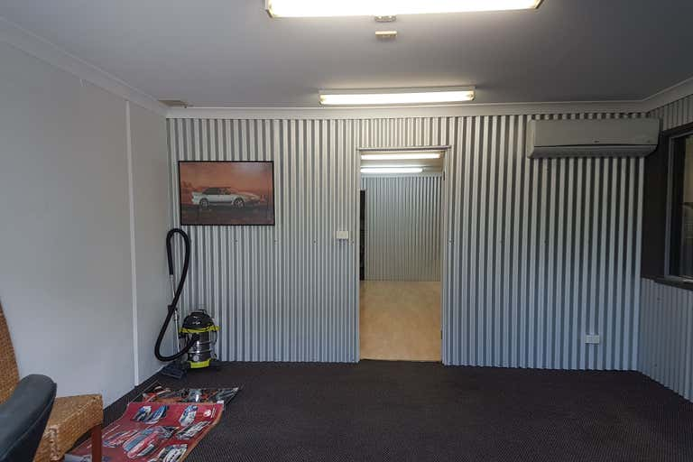 5/10 John Duncan Ct Varsity Lakes QLD 4227 - Image 2