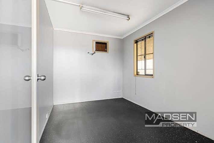 2/166 Beatty Road Archerfield QLD 4108 - Image 3