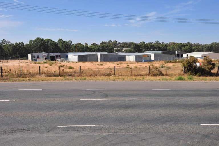8-9 Rohs Road East Bendigo VIC 3550 - Image 3
