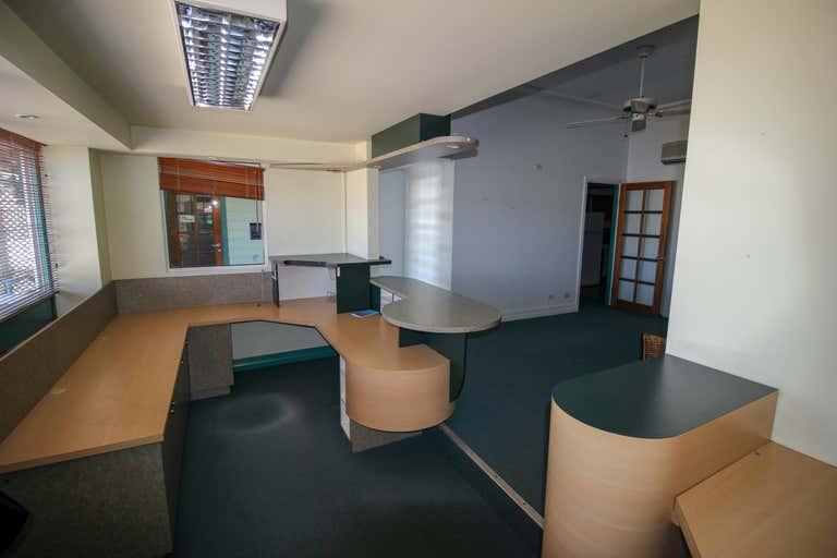 3&4/192 Mulgrave Road Westcourt QLD 4870 - Image 2