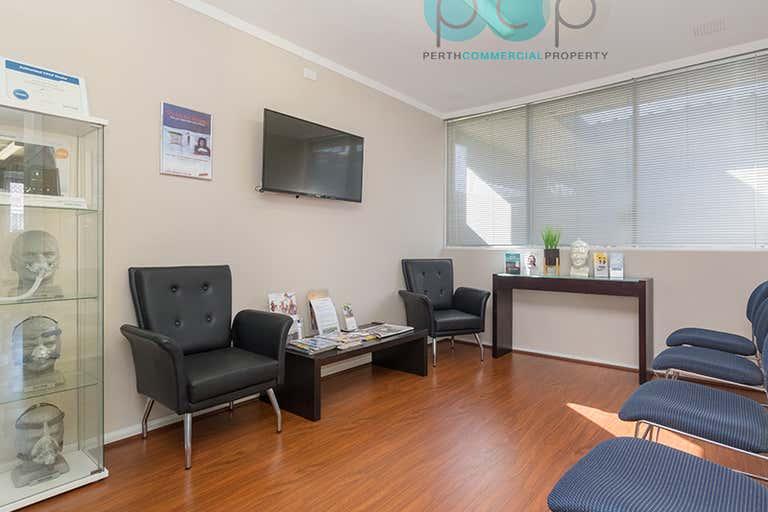 1/440 Flinders Street Nollamara WA 6061 - Image 2