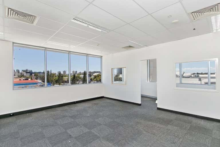 21/75 Wharf Street Tweed Heads NSW 2485 - Image 3