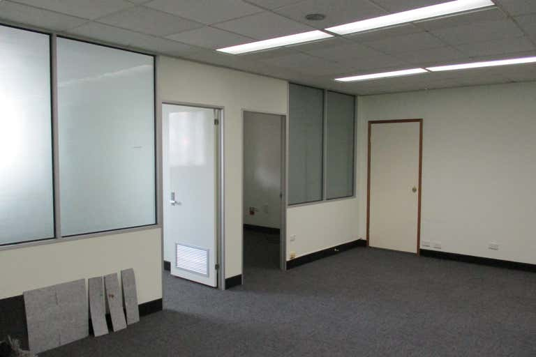 2/125 City Rd Beenleigh QLD 4207 - Image 4