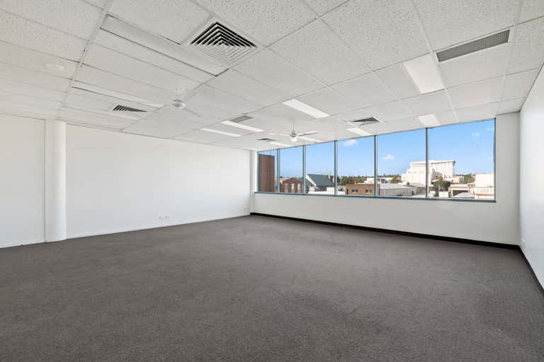 Level 2 Suite 3, 516 Ruthven Street Toowoomba City QLD 4350 - Image 1