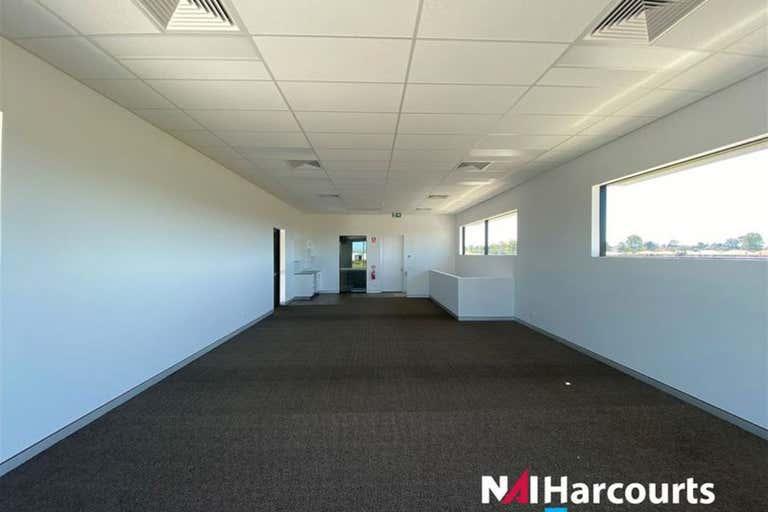 33 Kingsbury Street Brendale QLD 4500 - Image 3