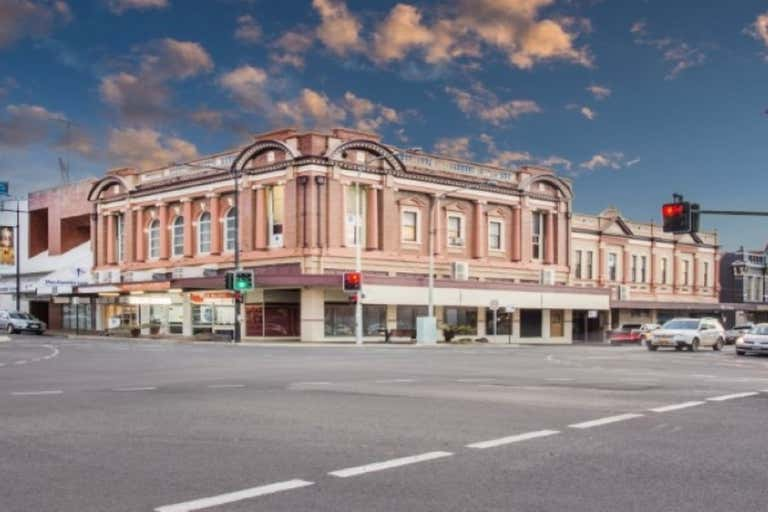 Suite 8, 353 Ruthven Street Toowoomba City QLD 4350 - Image 1