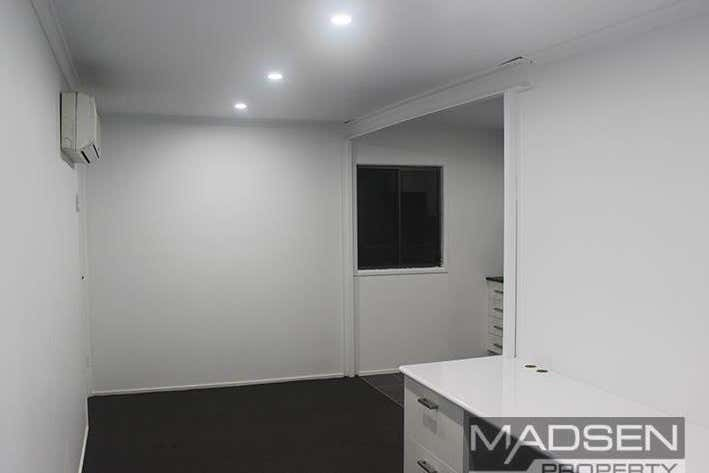 5/37 Meadow Avenue Coopers Plains QLD 4108 - Image 3