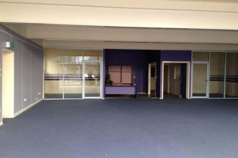 15 Racecourse Road North Melbourne VIC 3051 - Image 1
