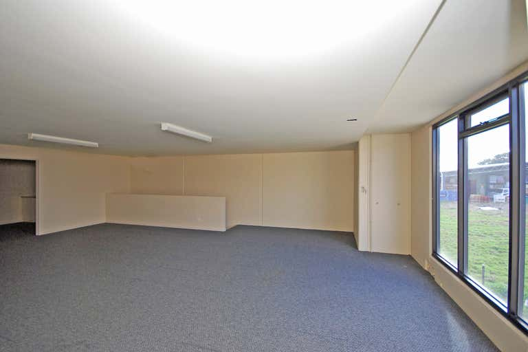 5/6 Builders Close Wendouree VIC 3355 - Image 4