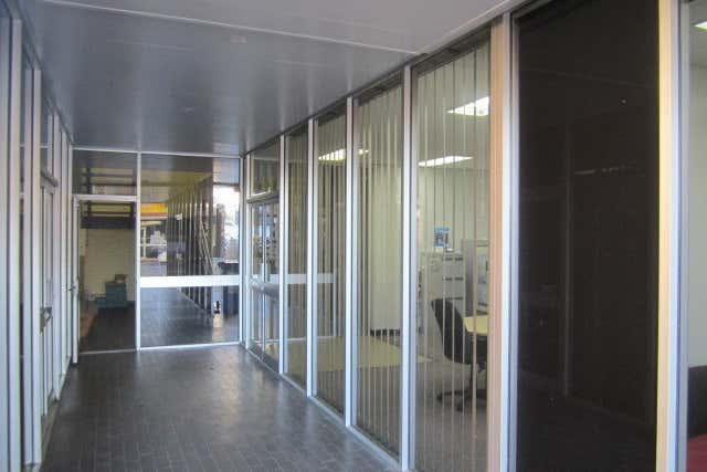 Suite 4, 43 Tank Street Gladstone Central QLD 4680 - Image 2