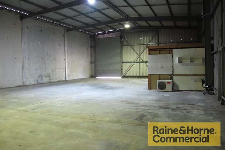 618 Lores Bonney Drive Archerfield QLD 4108 - Image 3