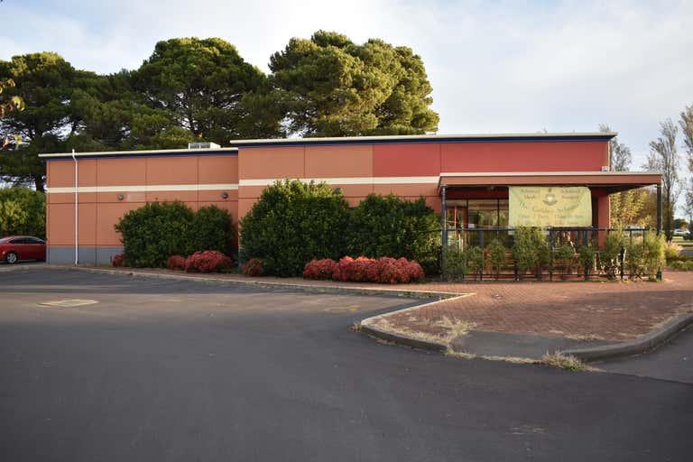 2 Adelaide Rd Millicent SA 5280 - Image 3