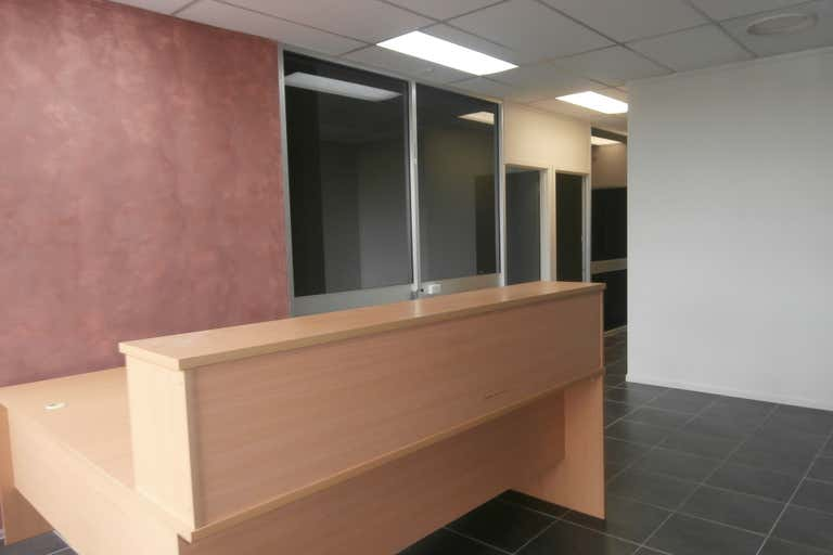 Suite 4, 43 Tank Street Gladstone Central QLD 4680 - Image 4