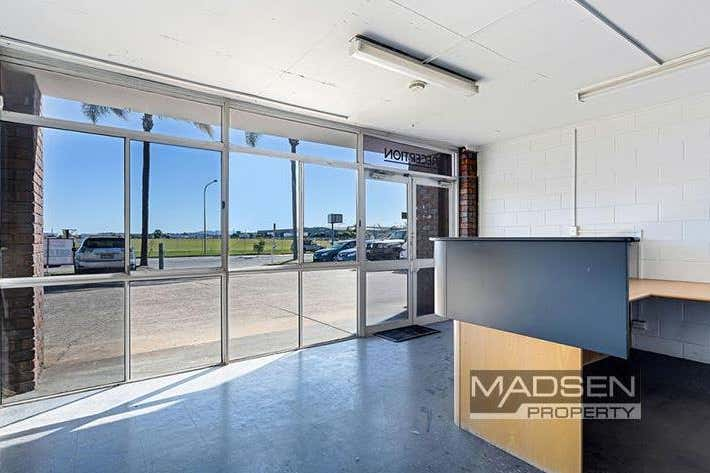 2/166 Beatty Road Archerfield QLD 4108 - Image 4