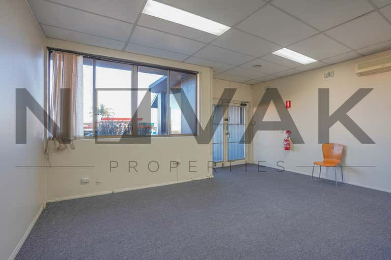 LEASED BY ARMMANO LAZIC 0451 677 321 & MICHAEL BURGIO 0430 344 700, 1/529  Pittwater Road Brookvale NSW 2100 - Image 2