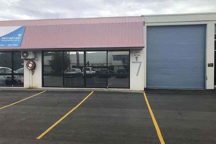 Unit 4, 7 Taree Street Burleigh Heads QLD 4220 - Image 1