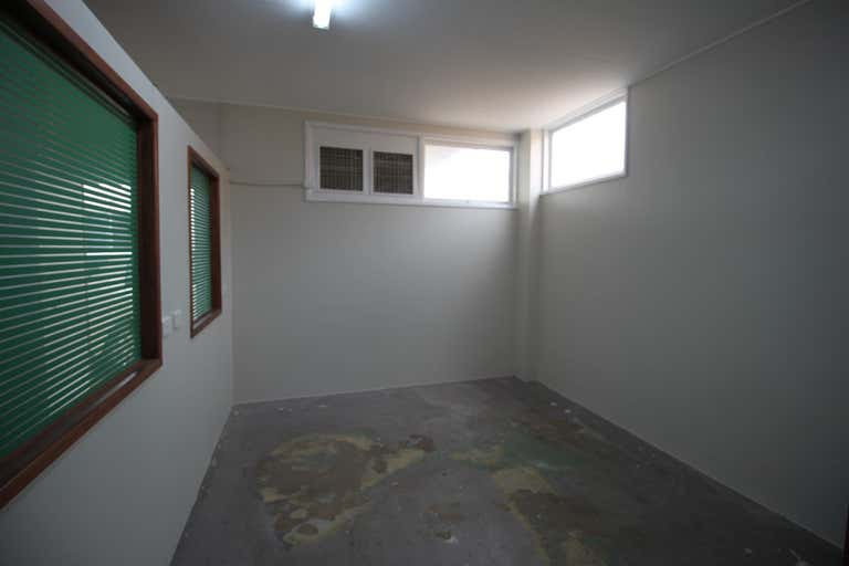 1/46 Miles Street Mount Isa QLD 4825 - Image 4