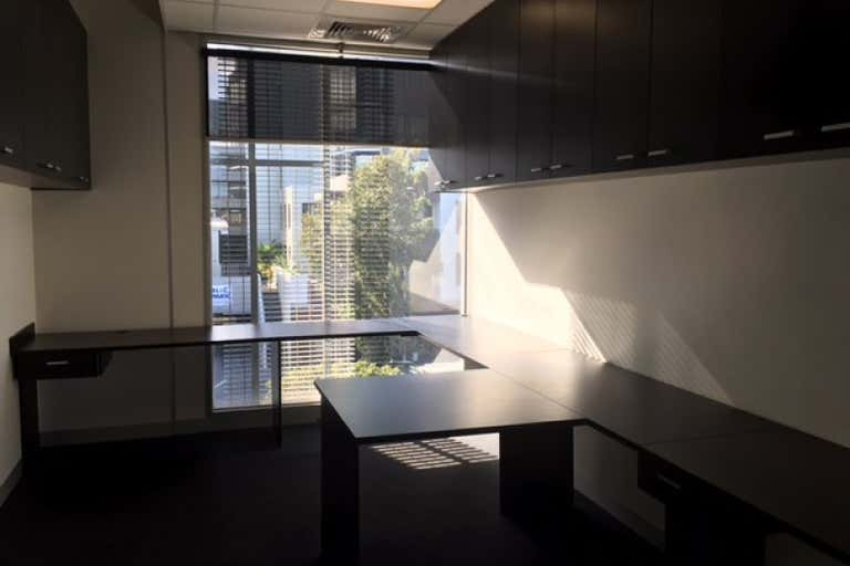 suite 3, level 2, 189 Rouse St Port Melbourne VIC 3207 - Image 4