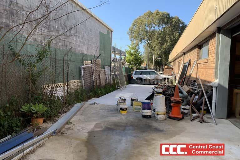 15/2-4 Clare Mace Cres Berkeley Vale NSW 2261 - Image 3
