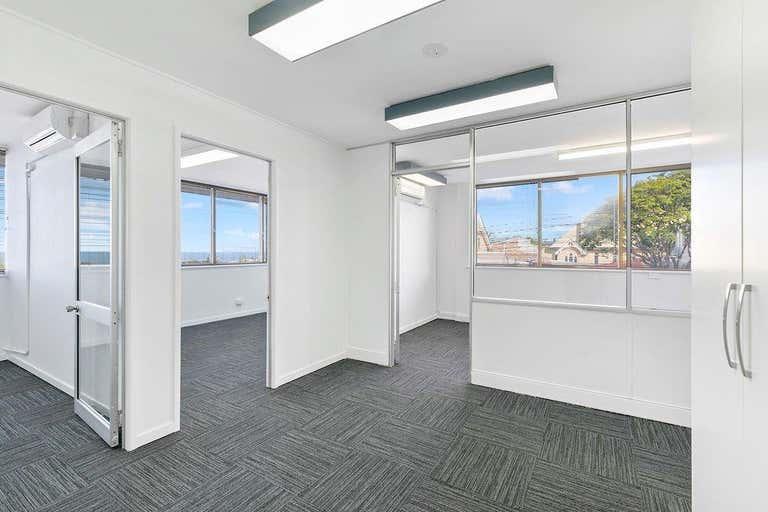 Suite H, 184 Bay Terrace Wynnum QLD 4178 - Image 2