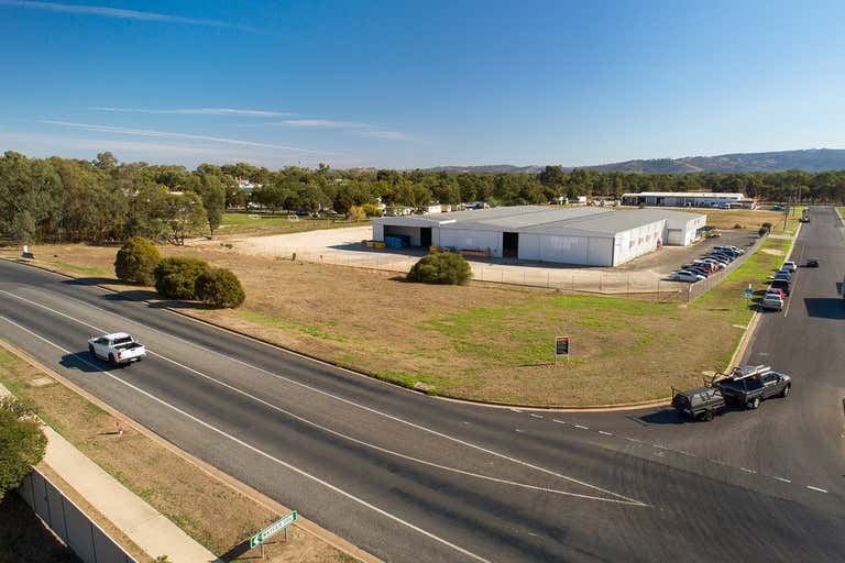 5 Moorefield Park Drive Wodonga VIC 3690 - Image 2