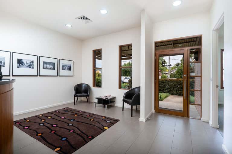 557 Englehardt Street Albury NSW 2640 - Image 3