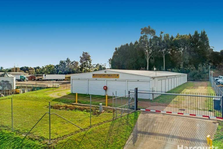 102 Roberts Courts Drouin VIC 3818 - Image 1