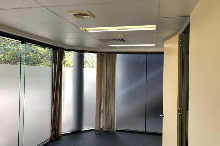 Unit 4, 29 Kitchener Pde Bankstown NSW 2200 - Image 4