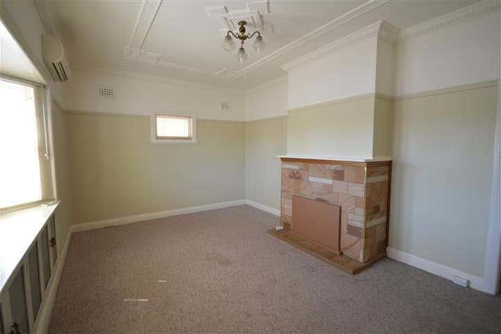 8 Glenelg Street Raymond Terrace NSW 2324 - Image 4