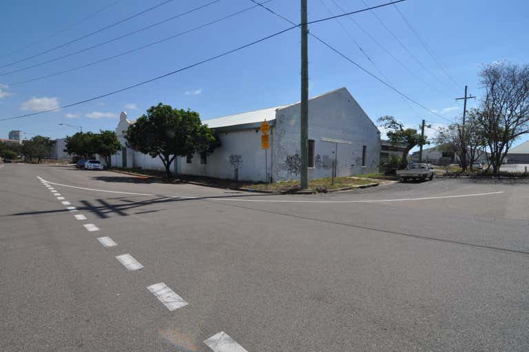 Shed 2, 115-147 Perkins Street South Townsville QLD 4810 - Image 4