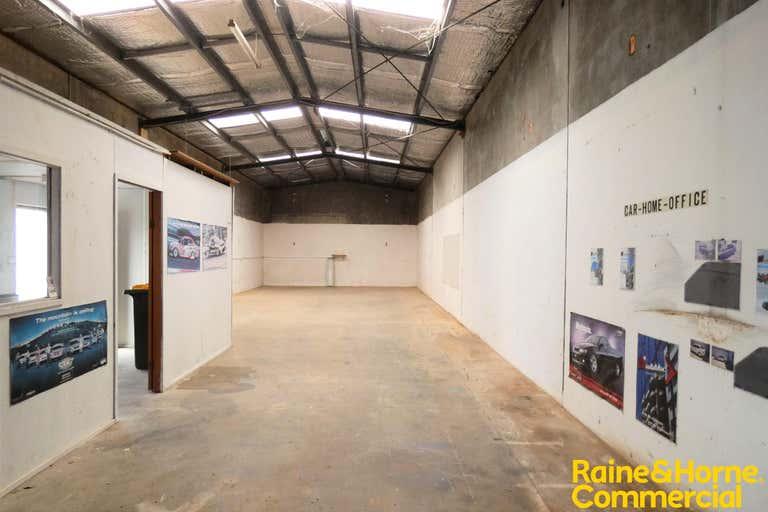 (L) Unit 2, 18 Blackbutt Road Port Macquarie NSW 2444 - Image 3