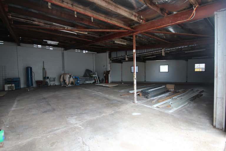Unit 2, 9 Bain Street Currajong QLD 4812 - Image 4