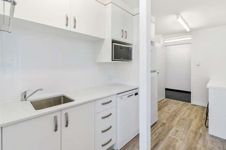 Suite H, 184 Bay Terrace Wynnum QLD 4178 - Image 3