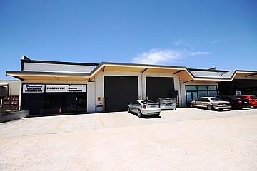 3 & 4/71 Redland Bay Road Capalaba QLD 4157 - Image 2