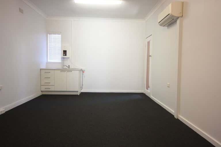 Level 1, 4/106 John Street Singleton NSW 2330 - Image 2