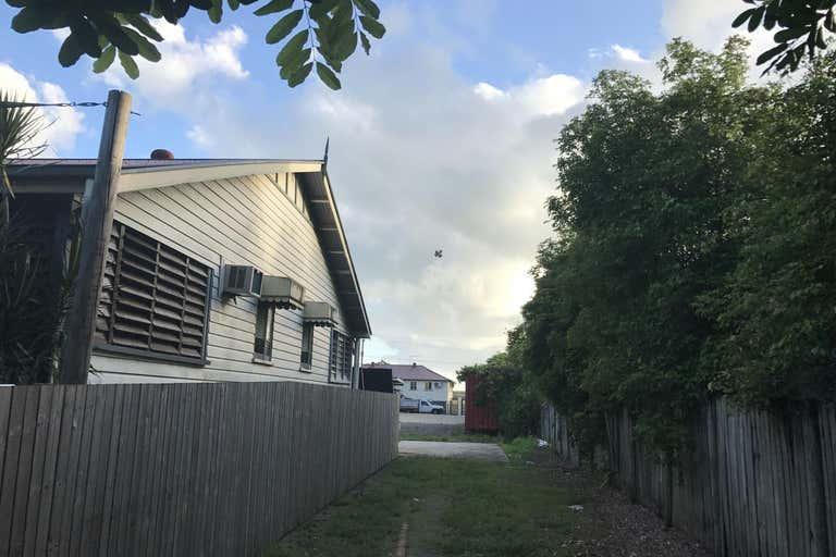 23 Johnston Street Stratford QLD 4870 - Image 3