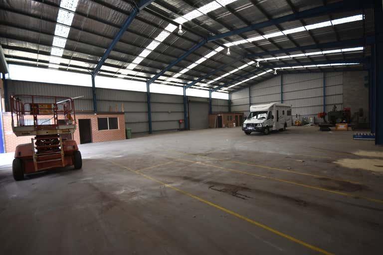 858 Ramsden Drive Albury NSW 2640 - Image 2
