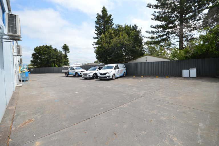 (Unit 1a)/638 Pacific Highway Belmont NSW 2280 - Image 3