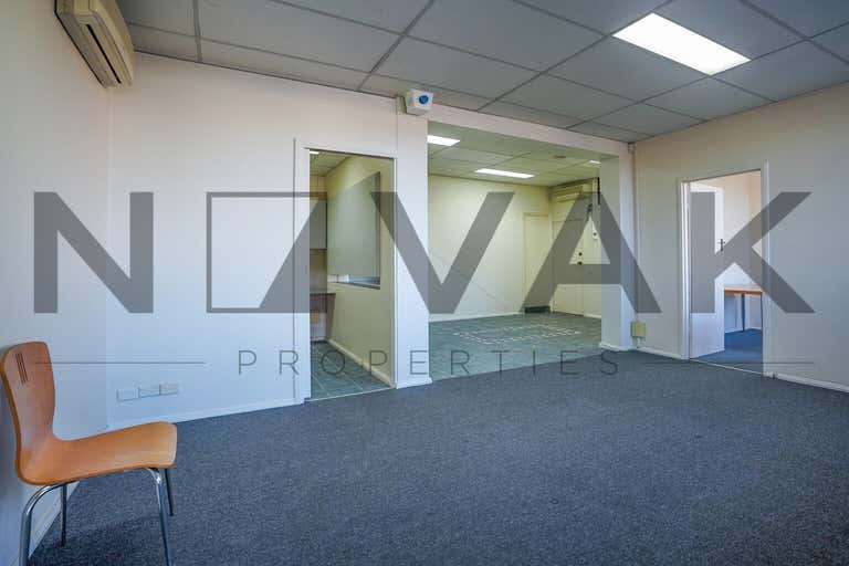 LEASED BY ARMMANO LAZIC 0451 677 321 & MICHAEL BURGIO 0430 344 700, 1/529  Pittwater Road Brookvale NSW 2100 - Image 4