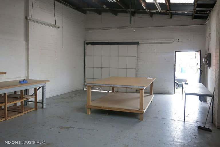 Unit 1/6-8 Henley Court Moorabbin VIC 3189 - Image 4