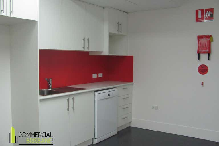 8A/10 Hudson Road Albion QLD 4010 - Image 2