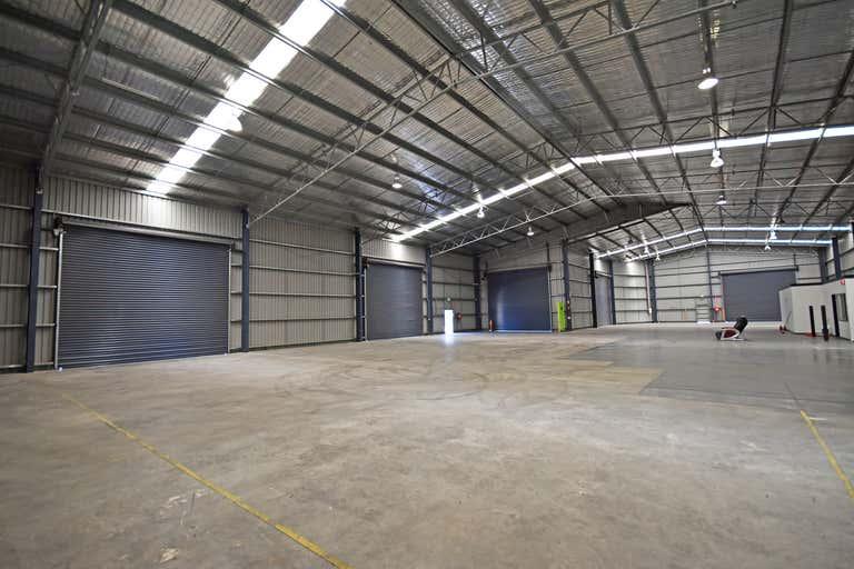 998 Nowra Street North Albury NSW 2640 - Image 2