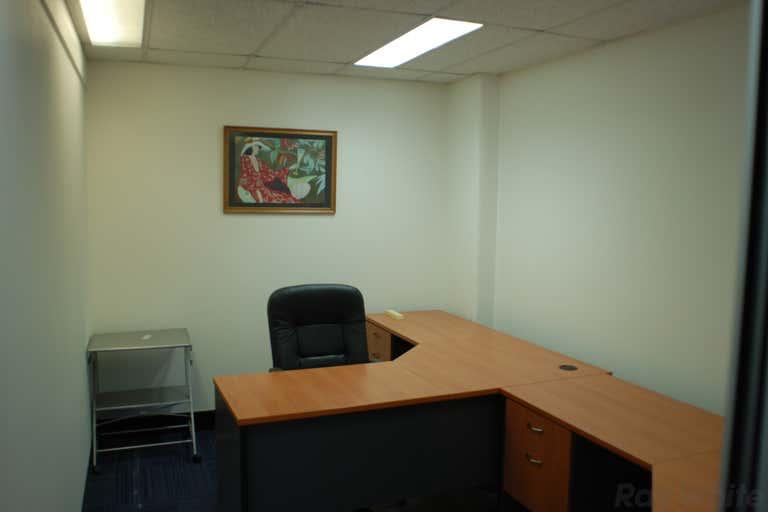 24/445 Upper Edward Street Spring Hill QLD 4000 - Image 4
