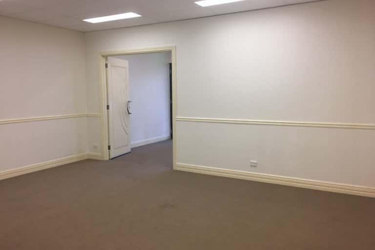 4/2 Pisconeri Street Perth WA 6000 - Image 4