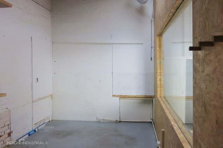 Unit 1/6-8 Henley Court Moorabbin VIC 3189 - Image 2