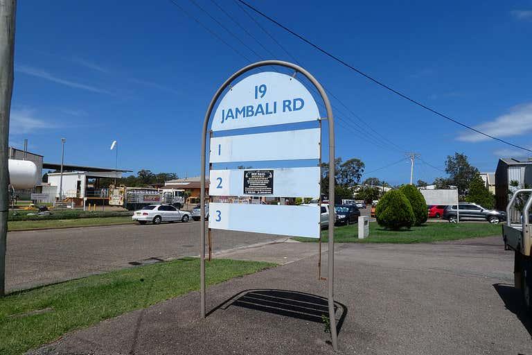 (L) Unit 4, 19 Jambali Road Port Macquarie NSW 2444 - Image 2