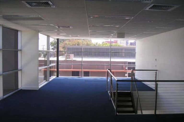 1/345 Plummer Street Port Melbourne VIC 3207 - Image 2