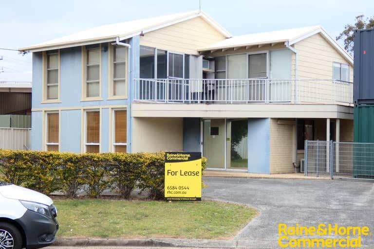 (L), 4 Milton Circuit Port Macquarie NSW 2444 - Image 1