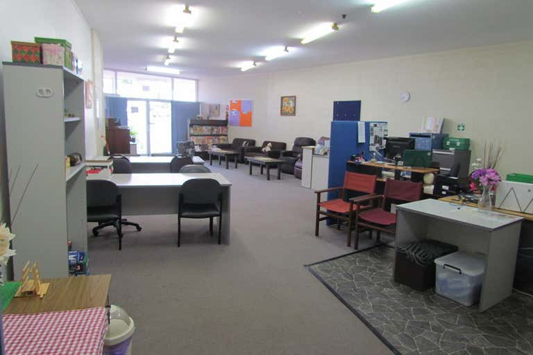96 Toolooa Street South Gladstone QLD 4680 - Image 2