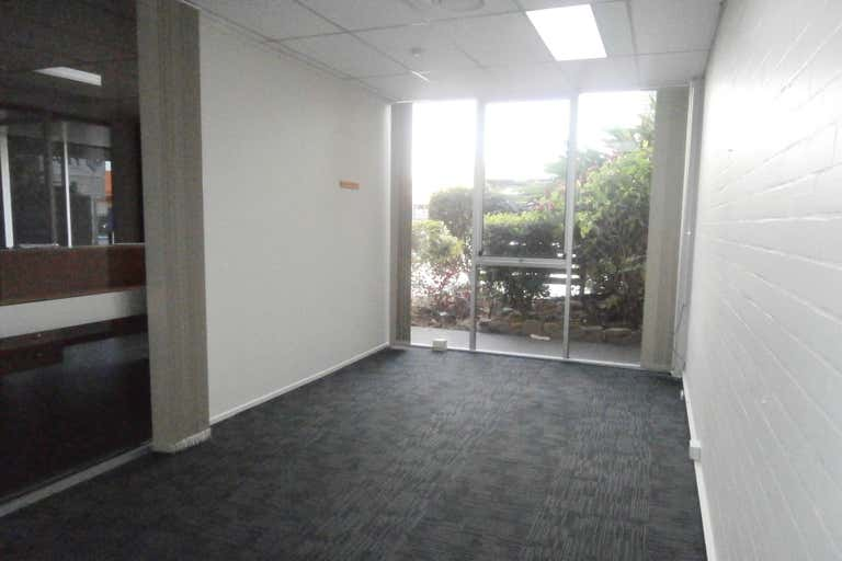 Suite 4, 43 Tank Street Gladstone Central QLD 4680 - Image 3